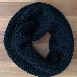 Accessories - Black Chunky Knit Infinity Style Scarf/Snood